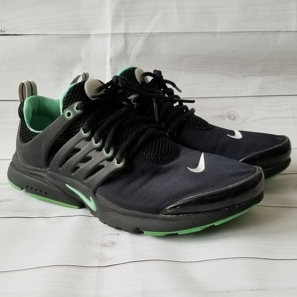 fb3211674d10 Nike Presto GS Black Green Running Shoes 7. M 5c3ea7d06197458b84f7abdc